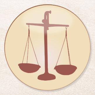 Símbolo de la escala de la muestra del zodiaco posavasos redondo de papel