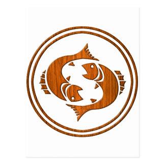 Símbolo de madera tallado del zodiaco de Piscis Postal