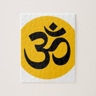 Símbolo de OM, círculo negro con oro Puzzle