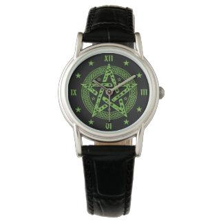Símbolo de Pentgram del Celtic de Wiccan Reloj De Pulsera
