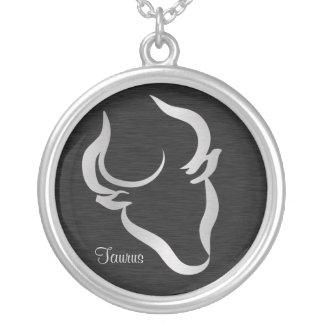 Símbolo de plata del zodiaco del tauro colgante redondo
