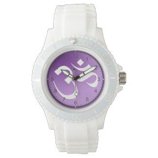 Símbolo púrpura de OM Reloj