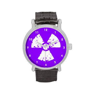 Símbolo radiactivo púrpura violeta relojes de mano