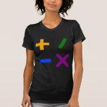 Símbolos aritméticos coloridos camisetas