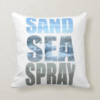 Simplemente mar y aerosol de la arena cojín decorativo