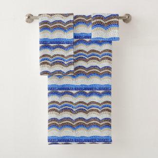 Sistema azul de la toalla del cuarto de baño del