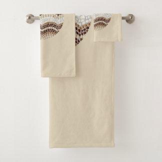 Sistema beige redondo de la toalla del cuarto de