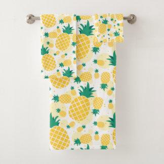 Sistema fresco de la toalla del cuarto de baño de