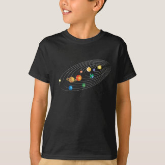 Sistema Solar en camiseta del negro de los niños
