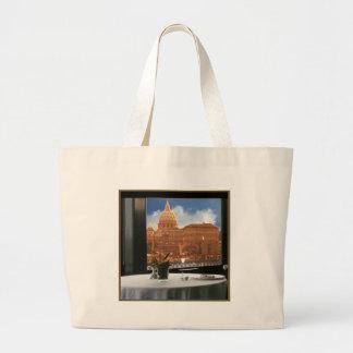 Sitio con un livin urbano de la fotografía bolsa tela grande