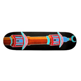 Skateboard Ilustracion estilizado del alminar, multicolor