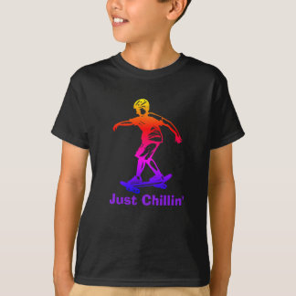 Skater del arco iris de Chillin del muchacho del Camiseta