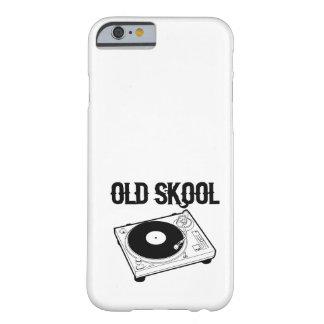 Skool viejo funda para iPhone 6 barely there