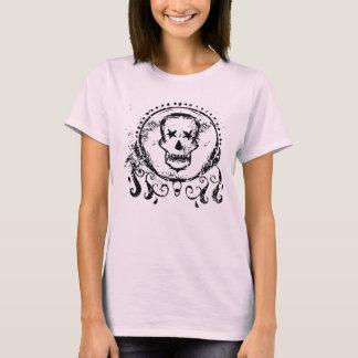 Skull grunge style. camiseta