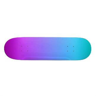 SkyBlue y cubierta púrpura del monopatín de la
