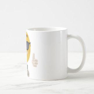 Smiley del día de fiesta taza básica blanca