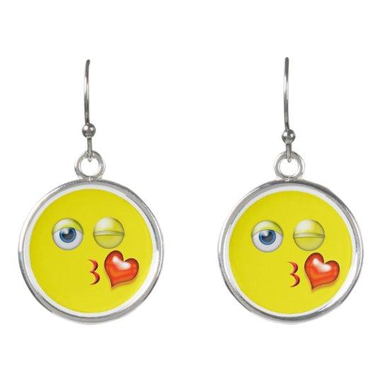 Smiley divertido de Emoji del beso del soplo Pendientes