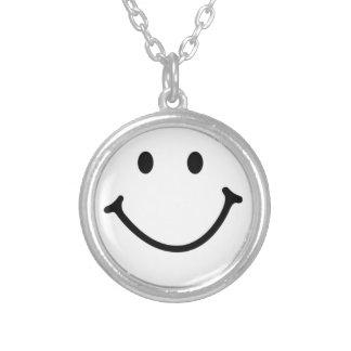 smileyface collar plateado