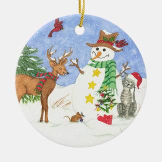 Snowm feliz y amigos - ornamento adorno navideño redondo de cerámica