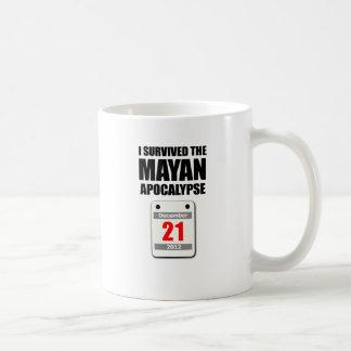 Sobreviví la apocalipsis maya 2012 (el calendario) taza