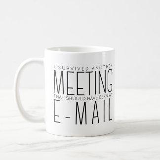 Sobreviví otra taza de café de la tipografía de la