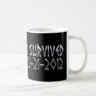 Sobrevivido 2012 taza clásica