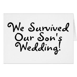 Sobrevivimos nuestro casarse de los hijos tarjeta de felicitación