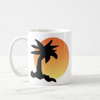 Sol poniente taza de café