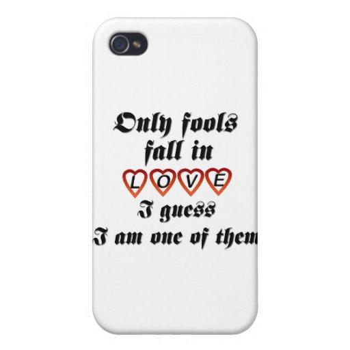 Solamente caída de los tontos en amor iPhone 4 funda