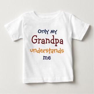 Solamente mi abuelo me entiende la camiseta del