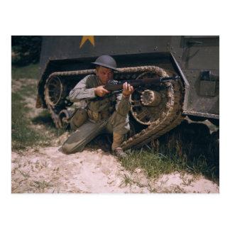 Soldado de la Segunda Guerra Mundial que se Postal