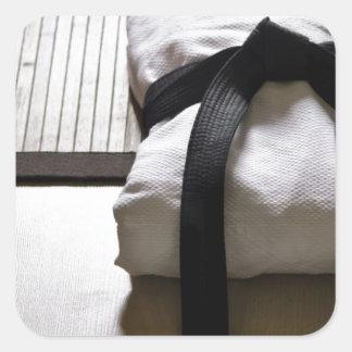 Soldado enrollado en el ejército del judo en la calcomania cuadradas