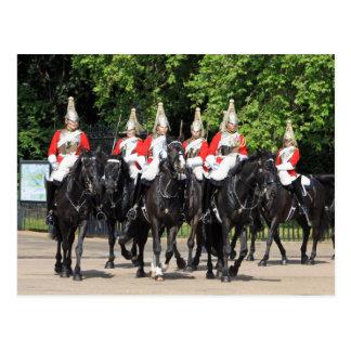Soldados montados caballería del hogar en la foto postal