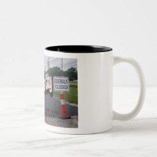 Solenoide en taza de café de la ciudad de la
