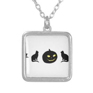 Sombra negra de la bruja y de la calabaza del gato colgante cuadrado