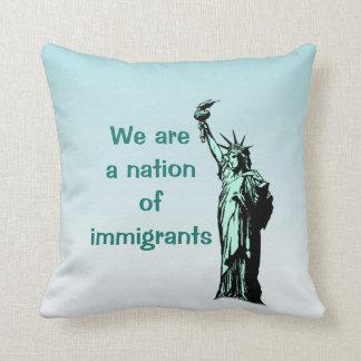Somos una nación de la almohada de tiro de los