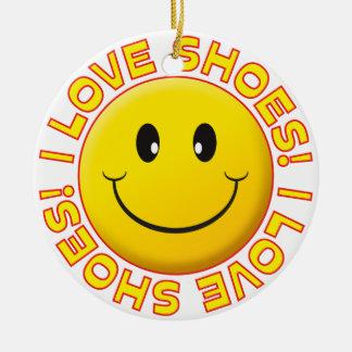 Sonrisa del amor de los zapatos adorno navideño redondo de cerámica