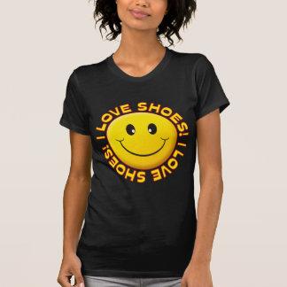 Sonrisa del amor de los zapatos camiseta