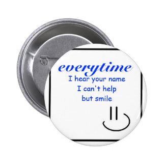 Sonrisa en su nombre chapa redonda 5 cm