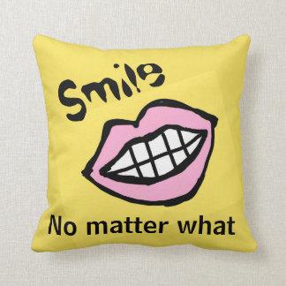 sonrisa no importa qué labios del dibujo animado cojín decorativo