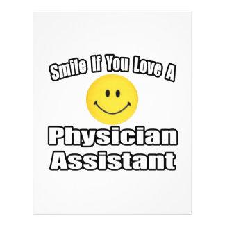 Sonrisa si usted ama a un ayudante del médico tarjetón