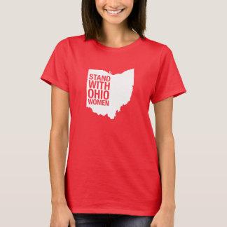 Soporte con la camiseta de las Mujer-Mujeres de