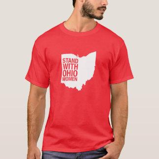 Soporte con la camiseta de los Mujer-Hombres de
