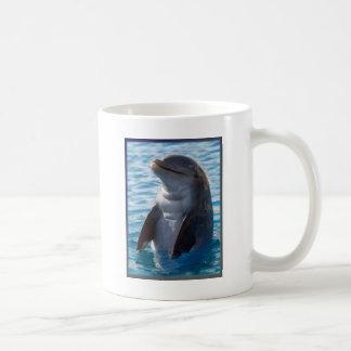 soporte del delfín taza de café