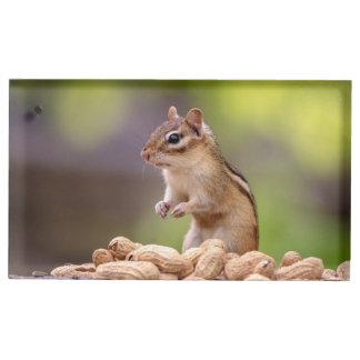 Soporte Para Tarjetas De Mesa Chipmunk con los cacahuetes