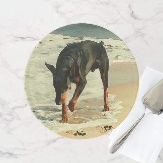 Soporte Para Tartas Doberman en la imagen de la pintura de la playa