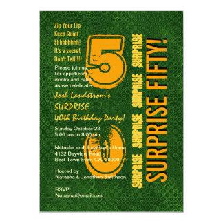 SORPRENDA el 50.o verde moderno y el oro C831 del Invitación 12,7 X 17,8 Cm
