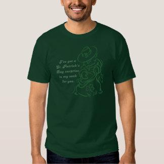 Sorpresa del saco del día de St Patrick del Camisetas