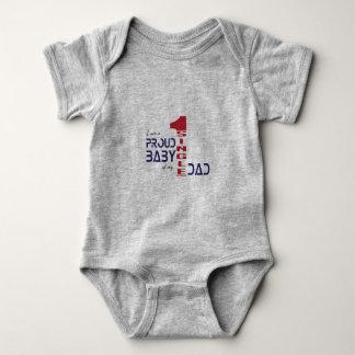 Soy un bebé orgulloso de mi solo papá body para bebé