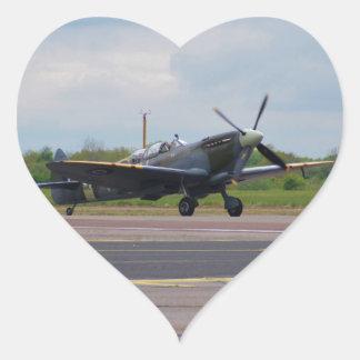Spitfire en la pista pegatina en forma de corazón